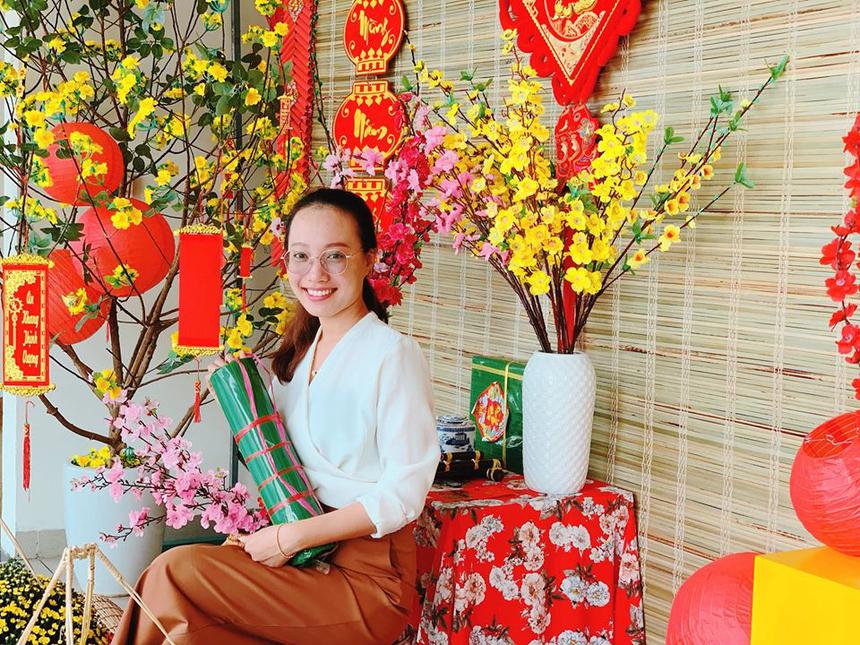 Các văn phòng làm việc của Tiểu học và THCS FPT được trang trí với hoa đẹp mắt, tô điểm thêm nét xuân cho mọi người.