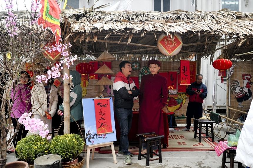 Ông đồ già, câu đối đỏ, thịt mỡ dưa hành bánh chưng xanh... là những hình ảnh tượng trưng cho Tết cổ truyền, in sâu trong ký ức nhiều người Việt.