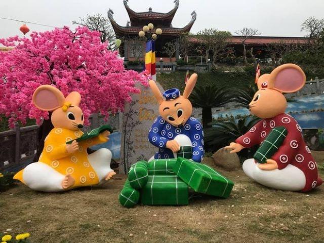 Quảng Ninh khiến nhiều người bật cười trước mô hình gia đình nhà chuột gói bánh chưng với những biểu cảm không ngộ nghĩnh. Ảnh: thoidai.com.vn