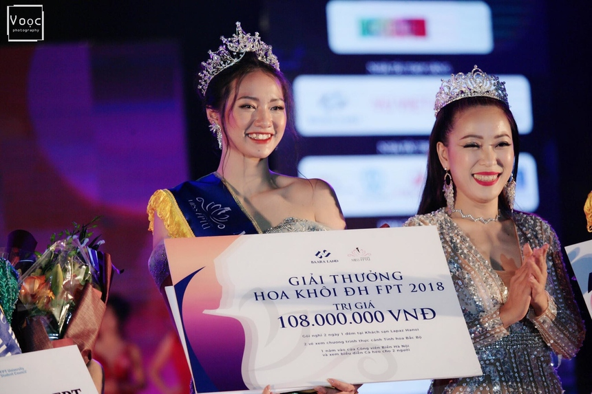 Bảo Ngọc đăng quang Hoa khôi Miss FPTU 2018 cùng hai giải phụ Hoa khôi Tài năng, Miss Ảnh.