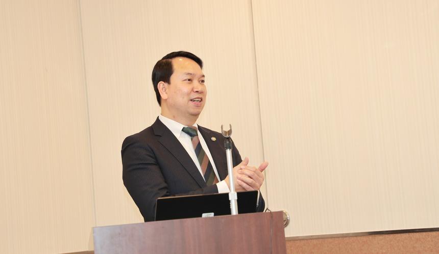 Kết thúc năm 2019, FPT Sapporo đạt doanh thu 350 nghìn USD. Hiện tại nhân số đã tăng lên gần 20 người. Ghi nhận những thành tích đạt được của chi nhánh, CEO FPT Japan mong muốn chi nhánh Sapporo nỗ lực hơn nữa trong năm 2020 với mục tiêu đã đề ra. Lãnh đạo FPT Japan cho biết công ty sẽ đồng hành và hỗ trợ chi nhánh trên mọi mặt trận.
