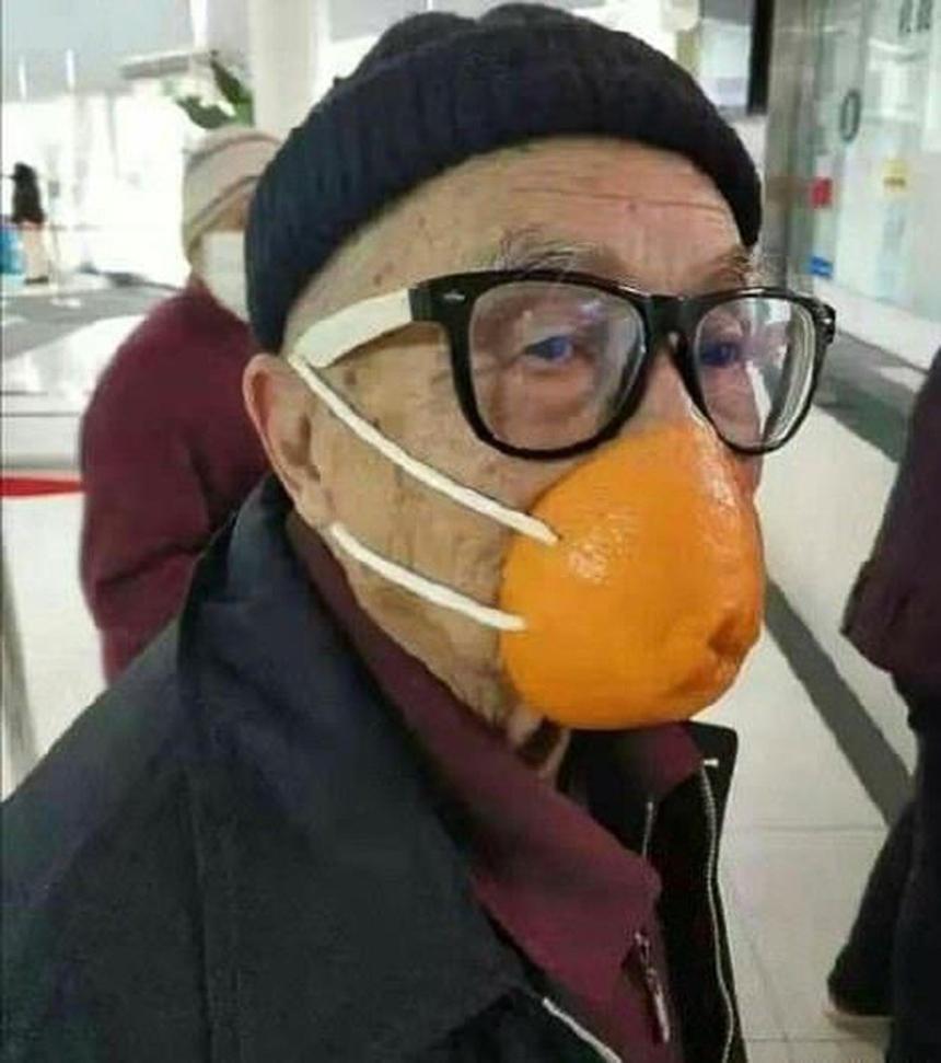 Khẩu trang cam