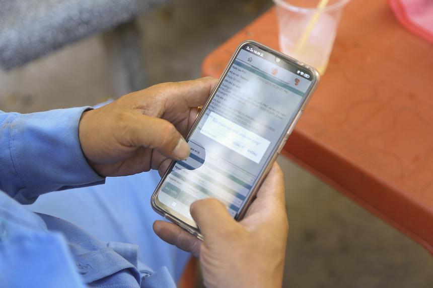 Tuy nhiên, theo anh Khoa nhận xét, hệ thống phân công tối ưuthỉnh thoảng vẫn còn hơi chậm hoặc gặp lỗi khi kỹ thuật viên thực hiện các thao tác check-in/check-out ở nhà khách hàng.