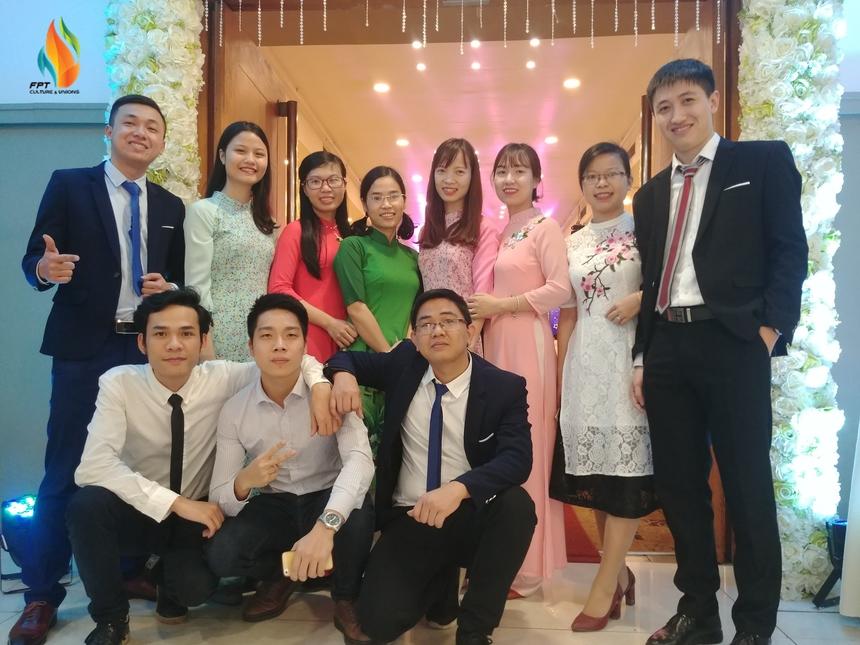 Là một trong số người tham dự cuộc thi với ảnh tập thể, bức ảnh của Bùi Thị Hương gợi lại kỷ niệm cùng các đồng nghiệp tại Khối Tài chính công (FPT IS FPS).