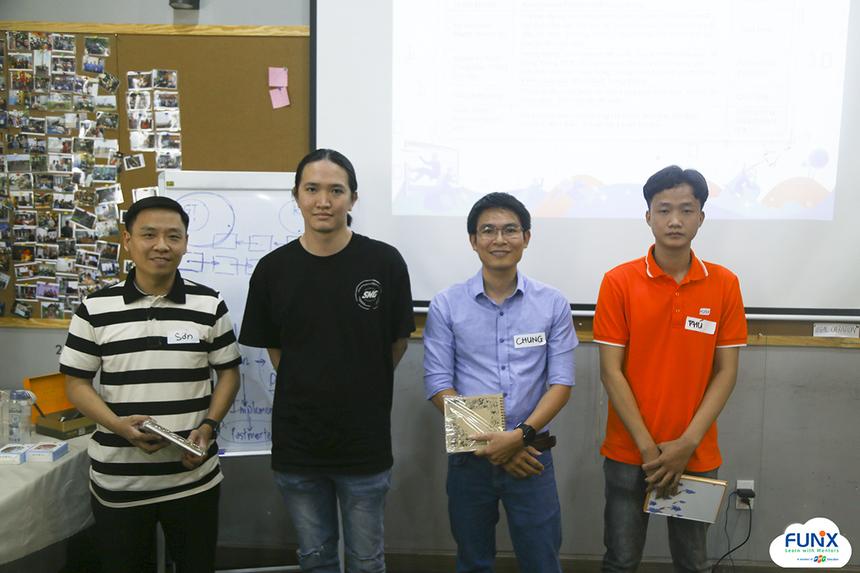 Trong hai tháng đầu năm, FUNiX có tổng cộng 42 sinh viên hoàn thành chứng chỉ. Trong đó, bạn Nguyễn Vũ Khánh Linh đã xuất sắc hoàn thành hai chứng chỉ 6 và 7.