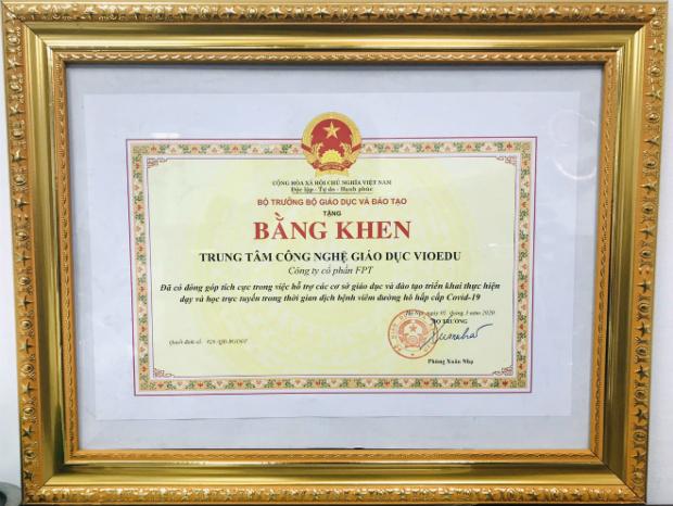 VioEdu-duoc-nhan-bang-khen-tu-4373-6805-
