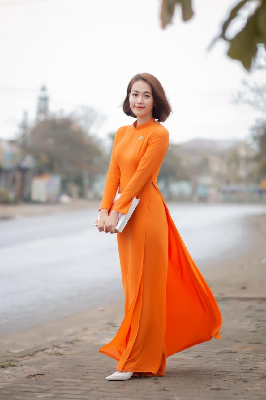 """Đặc biệt, Trang mới tham gia chương trình Ngày hội Áo dài FPT Telecom với giải thưởng """"Quý cô FTEL"""". Giải thưởng đến như sự sắp đặt để kỉ niệm cho 5 năm gắn bó với FPT Telecom."""