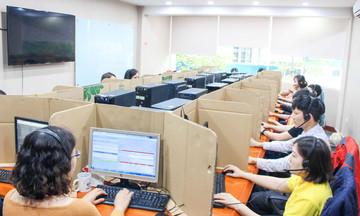 Người FPT Telecom thích nghi làm việc từ xa mùa dịch
