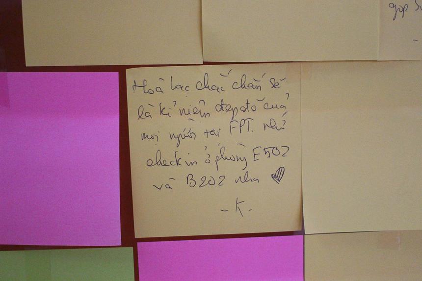 Đa phần đều gửi gắm lời chúc sức khoẻ, nhắn mọi người ý thức khi sử dụng ký túc...