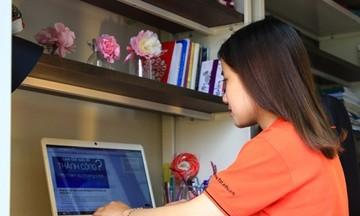Sinh viên ĐH FPT HCM thi cuối kỳ bằng hình thức online
