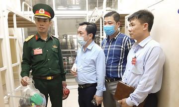 Chủ tịch huyện Thạch Thất thị sát chỉ đạo khu cách ly KTX FPT Edu