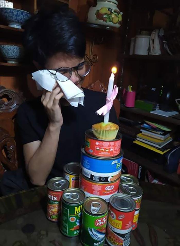 Sinh nhật của em trai tôi trong thời gian hạn chế đi lại.