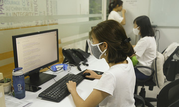 FPT Tân Thuận bắt buộc mang khẩu trang khi làm việc