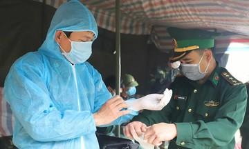 Quỹ Hy vọng tặng 2,5 tấn trang thiết bị y tế cho tuyến đầu chống dịch