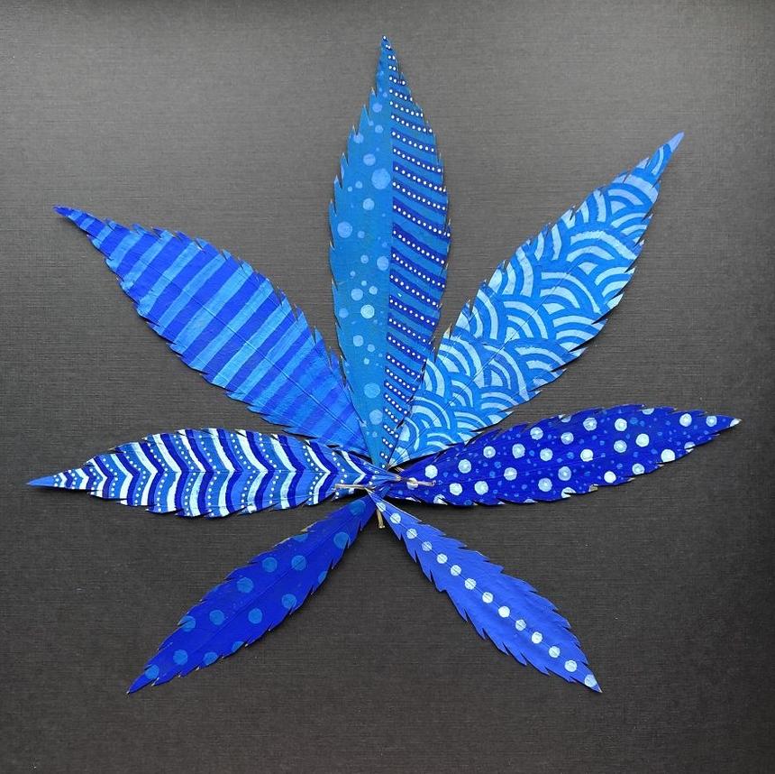 Ngày 5: Những chiếc lá được tô màu, màu acrylic.