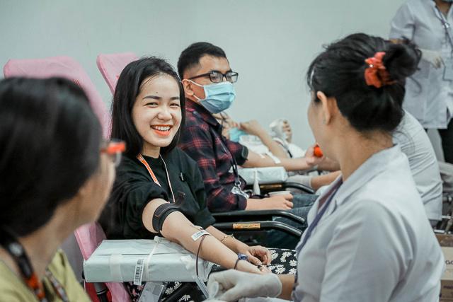 Ngày 27/5, Ban Văn hóa - Đoàn thể FPT Software HCM phối hợp CSR FPT (Trách nhiệm xã hội FPT) tổ chức ngày hội hiến máu lần 87 tại tòa F-Town 1.
