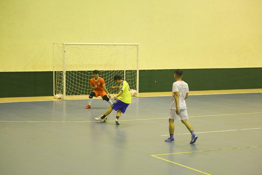 Những nỗ lực không biết mệt mỏi của BA cũng được đền đáp với hai bàn thắng số 8 Đỗ Trung Tiến ở phút 26 và số 5 Phạm Văn Quý ở phút 32, để rút ngắn cách biệt xuống còn 3-5.