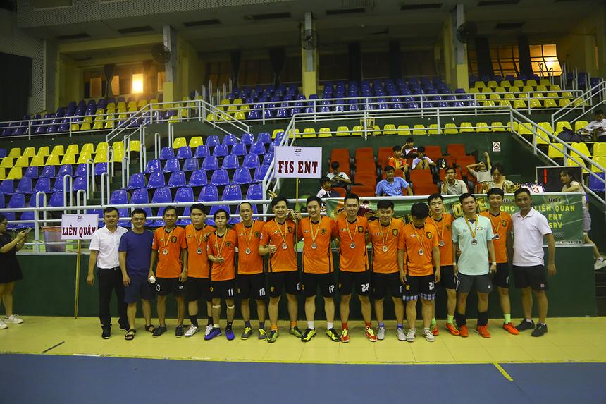 Thất bại trong trận chung kết, các cầu thủ ENT tiếp tục bảo vệ vị trí Á quân năm thứ 2 liên tiếp và nhận giải thưởng 3 triệu đồng.