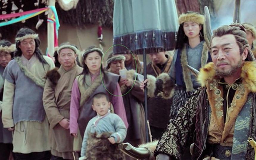 Paparazi đích thực trong phim Đông Cung.