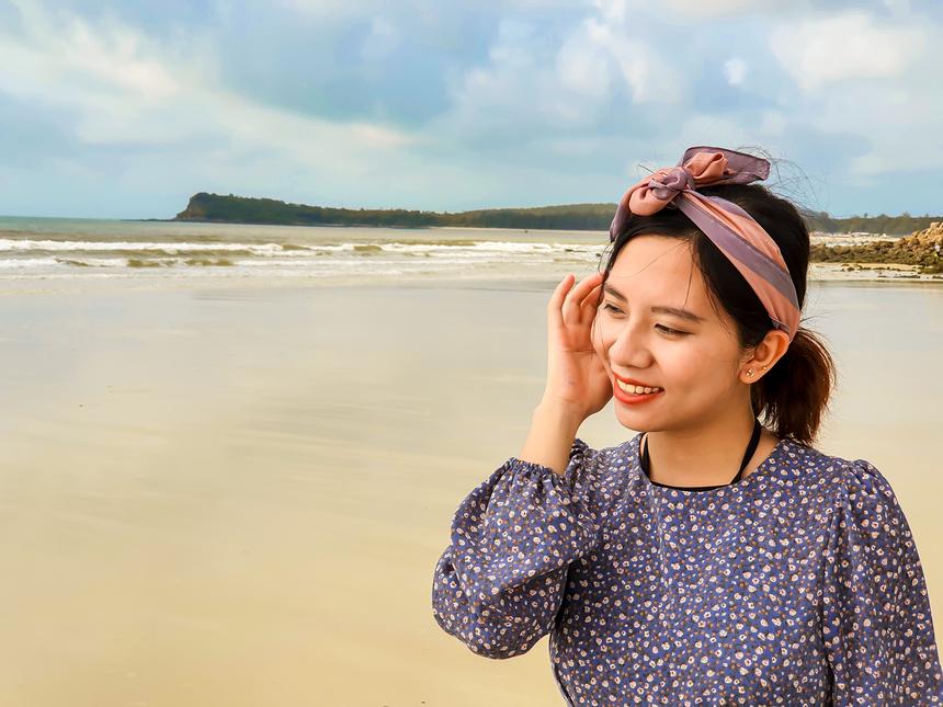 Kỳ nghỉ hè vừa rồi của đơn vị, Thảo chọn điểm đến là đảo Quan Lạn và Minh Châu (Quảng Ninh). Đây là hòn đảo mới nên có ít người đi nhưng cảnh sắc lại hoàn hảo.