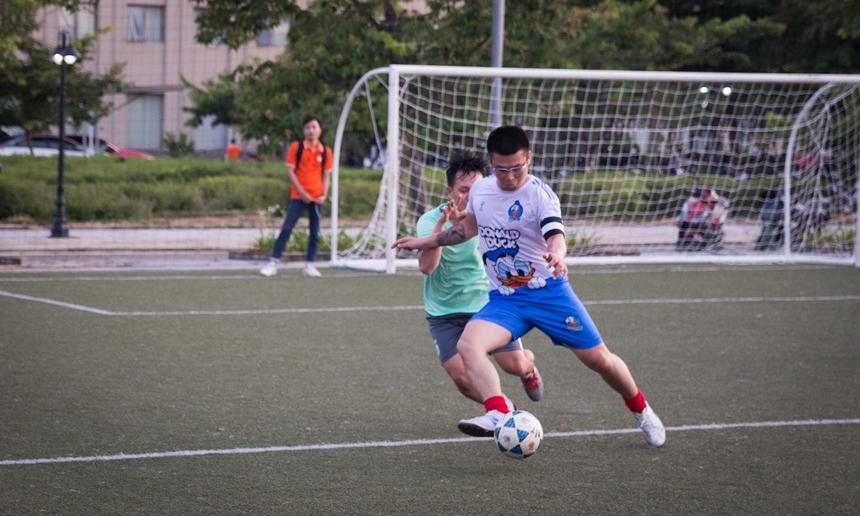 Bước sang hiệp 2, BCN tiếp tục thế trận tấn công tìm bàn gỡ. Phút thứ 37, ở một tình huống sút phạt ngoài vòng 16m50, cầu thủ Nguyễn Văn Trọng bên phía BCN dứt điểm đưa bóng găm thẳng vào lưới của DPC.