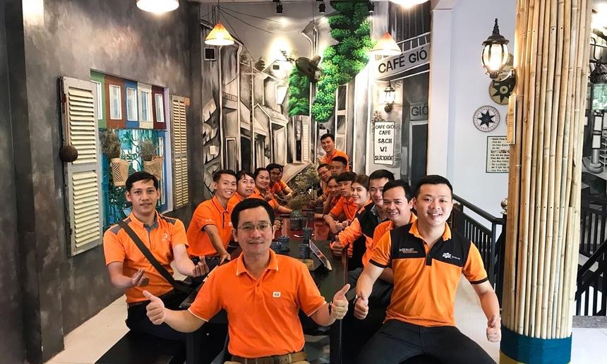 """Anh Nguyễn Văn Cường, Giám đốc FPT Telecom Phú Yên đã dành lời chúc đến CBNV chi nhánh, trong tháng 7 với nhiều bước tiến mới, tăng doanh số bán hàng """"rực rỡ hơn cả nắng mùa hè""""."""
