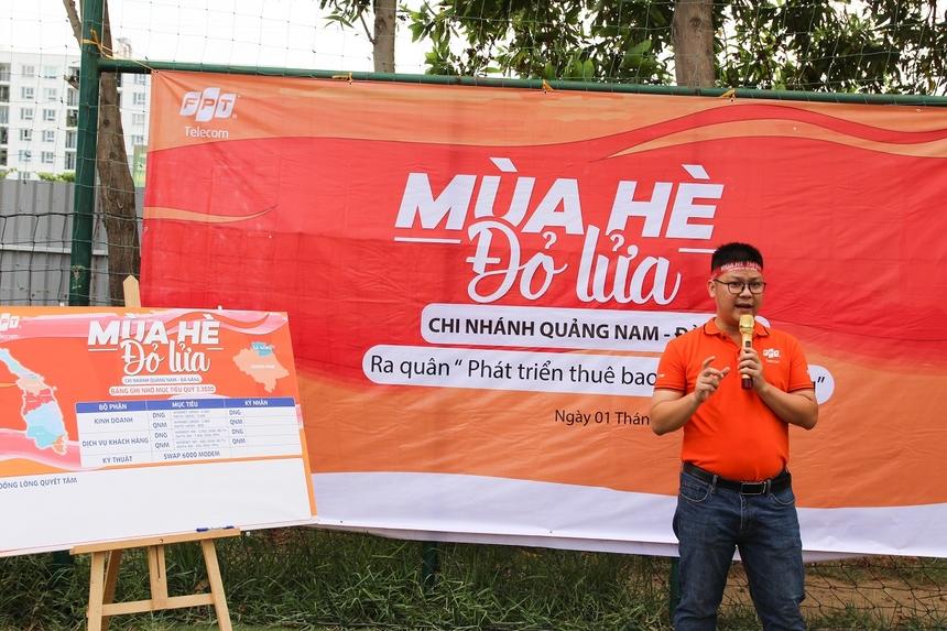Tại đây, Giám đốc chi nhánh Nguyễn Đăng Duy đã trao đổi những kế hoạch, mục tiêu trong việc triển khai chiến dịch. Gửi lời động viên và khen thưởng đến các cá nhân xuất sắc trong chương trình '31 ngày đêm thi đua về đích' và '45 ngày đêm đại thắng' đã phát động trước đó.