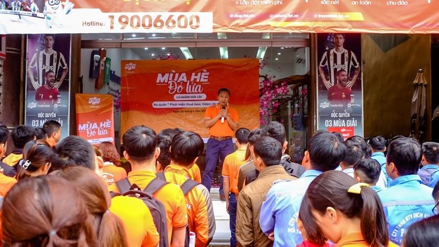 Trong sáng cùng ngày, Giám đốc FPT Telecom Vùng 4 Nguyễn Thế Quang đã tham dự buổi ra quân chiến dịch cùng chi nhánh Đăk Lăk.