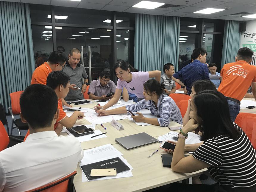 Chia sẻ về Cương lĩnh chiến lược của FPT, Chủ tịch Trương Gia Bình đã vẽ nên ngôi nhà FPT với nền móng là 3 yếu tố: hài hòa, đồng nhất từ trên xuống (fractal) và hiền tài; còn phần nóc của ngôi nhà đó là tâm nhìn, chiến lược của tập đoàn.