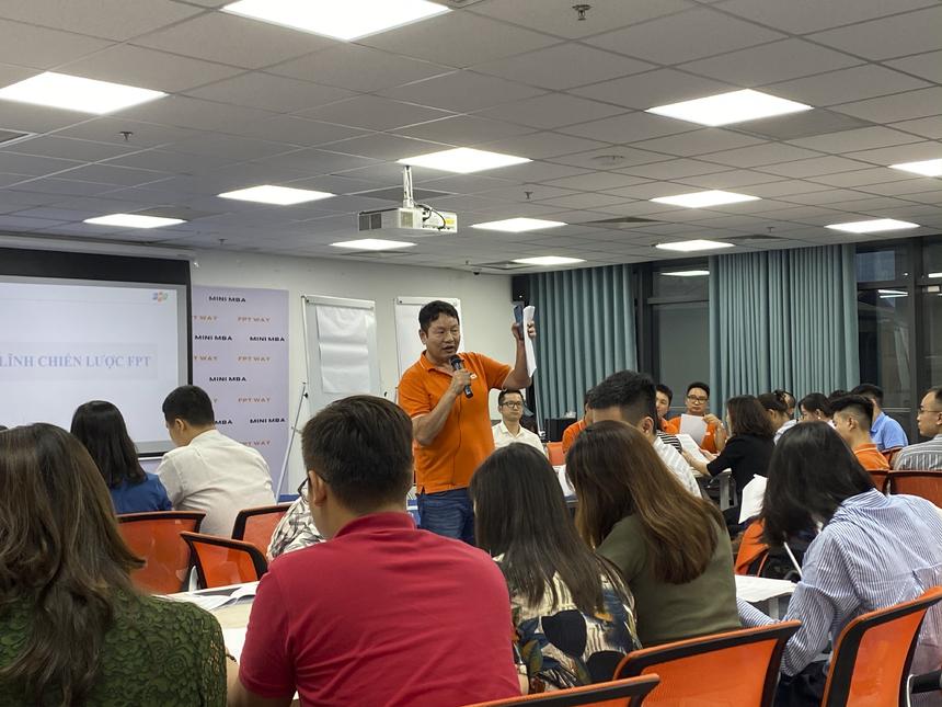 Môn học nhằm mang tới cho học viên những kiến thức cơ bản về văn hóa doanh nghiệp FPT: các yếu tố cấu thành, hình tượng biểu trưng, cách thức đánh giá văn hóa FPT. Đặc biệt, thông qua chương trình, học viên có thể hiểu được sứ mệnh, triết lý kinh doanh của FPT, từ đó hiểu rõ vai trò trách nhiệm của mình trong việc xây dựng tầm nhìn, sứ mệnh tại đơn vị đang công tác.