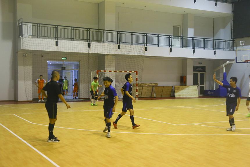 Phút 25, cầu thủ Phạm Thanh Bình mới giúp CĐV FPT Software có dịp ăn mừng khi ghi bàn nâng tỷ số lên 3-0. FPT Securities gần như vỡ trận.