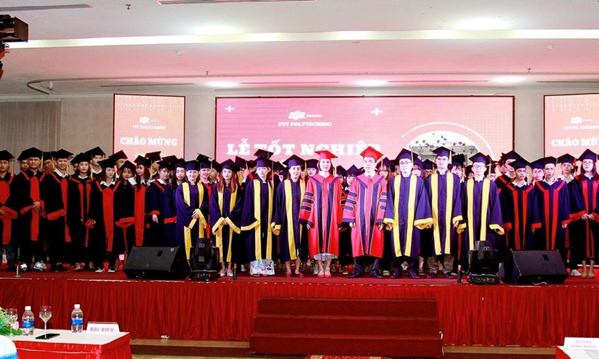 Ngày 5/7, trường Cao đẳng Thực hành FPT Polytechnic Tây Nguyên đã tổ chức lễ tốt nghiệp cho 72 sinh viên, đây là khóa sinh viên hoàn thành khoá học trong các đợt năm 2019.