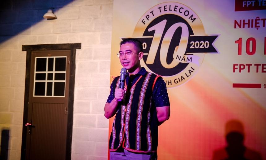 Lần thứ 2 anh Hoàng Việt Anh đến với chi nhánh Gia Lai, CEO FPT Telecom rất xúc động và bất ngờ với tình cảm cũng như tài năng của CBNV chi nhánh. Anh bày tỏ niềm vui với những gì mà chi nhánh đạt được, đồng thời chúc mừng Gia Lai - Kon Tum, tin tưởng vào sự phát triển hơn nữa trong thời gian tới.