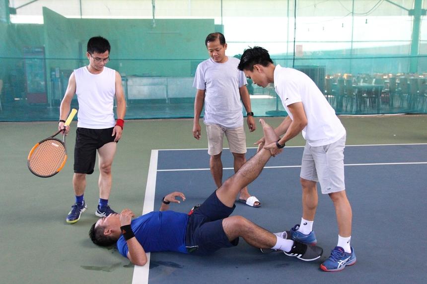 Tuy nhiên, cặp đôi trên gặp một bất lợi khi anh Phan Thành Ái dính chấn thương, phải nằm sân, nhận chăm sóc y tế trong trận Bán kết. Điều này có phần ảnh hưởng đến phong độ của anh.