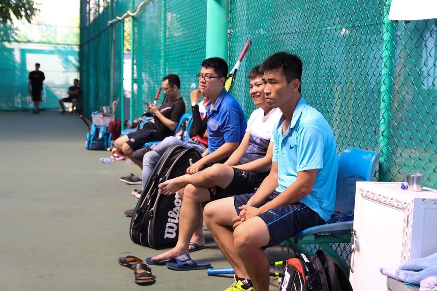 Những pha bóng cân não trên sân tạo không khí sôi nổi, tiếp thêm động lực cho giải đấu dành riêng cho các VĐV tennis trẻ đến từFPT Software Đà Nẵng, Synnex FPT miền Trung, FPT Education tại Đà Nẵng…