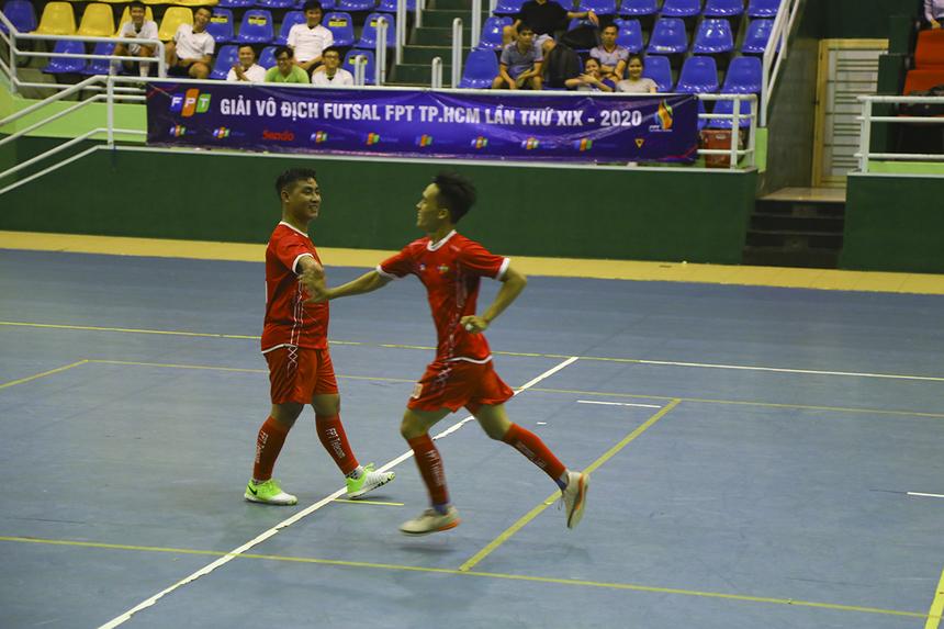 Số 20 Nguyễn Duy Quốc nâng tỷ số lên 4-0 ở phút 33 sau pha đoạt bóng trong chân đối phương.