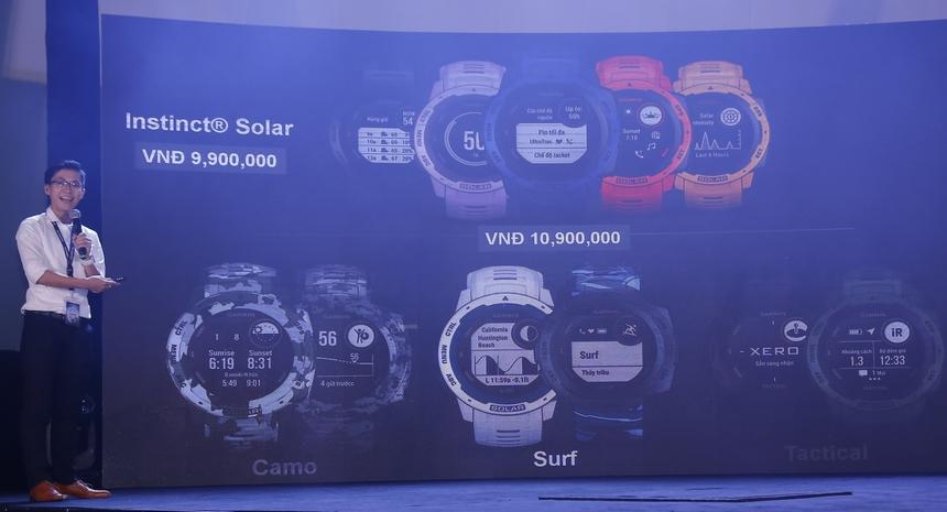 Instinct Solar bản thường có giá 9,9 triệu đồng. Bản Camo, Surf, Tactial giá 10,99 triệu đồng. Fenix 6S Pro Solar & fenix 6 Pro Solar đen xám giá 21,49 triệu đồng, còn Fenix 6 Pro Solar bản xanh trắng là 23,99 triệu đồng.