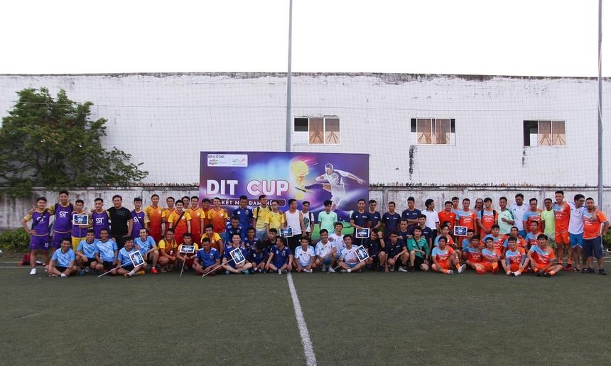 DIT Cup 2020 là giải bóng dành cho các lập trình viên của các công ty CNTT trên địa bàn TP Đà Nẵng. Giải quy tụ 8 đội bóng từ 8 công ty gồm: ST-United (STU), Hybrid Technologies (HTV), Liên quân EST ROUGE & NALS (ERT), Liên quân Minori & Madison (M&M), EVA Solution Business Consultancy (SBC), D-Soft và 2 đội bóng đại diện của nhà F gồm: FSOFT Đà Nẵng (FSO), FPT DPS (DPS). Năm nay, hướng đến kỷ niệm 15 năm thành lập, FPT Software Đà Nẵng đăng cai tổ chức, tài trợ toàn bộ kinh phí dành cho giải đấu.