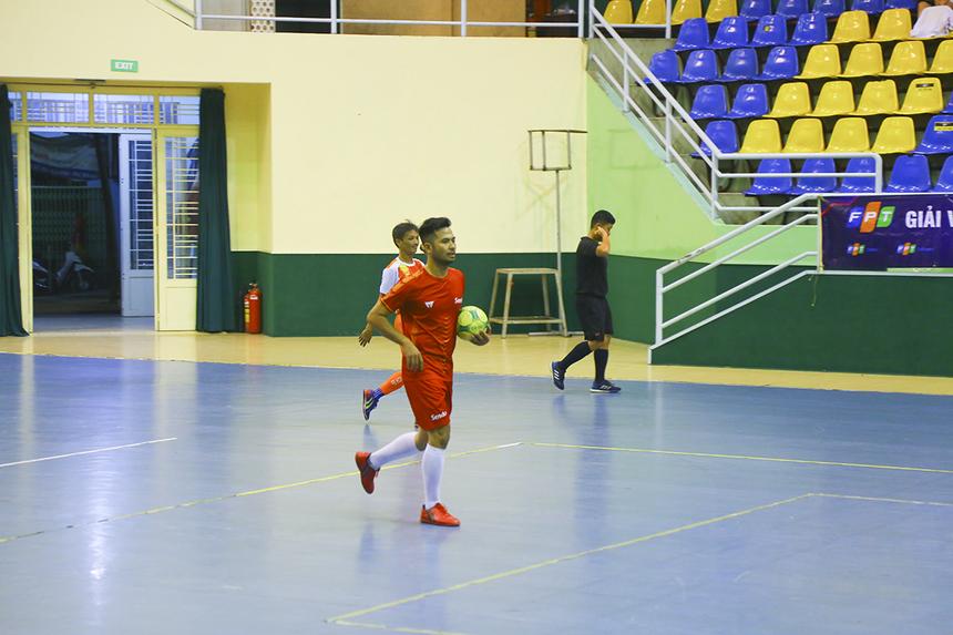 Phút 38, cầu thủ Phan Thanh Sang có pha lập công danh dự cho Sen Đỏ. Trận đấu khép lại với chiến thắng 4-1 nghiêng về FPT Education.