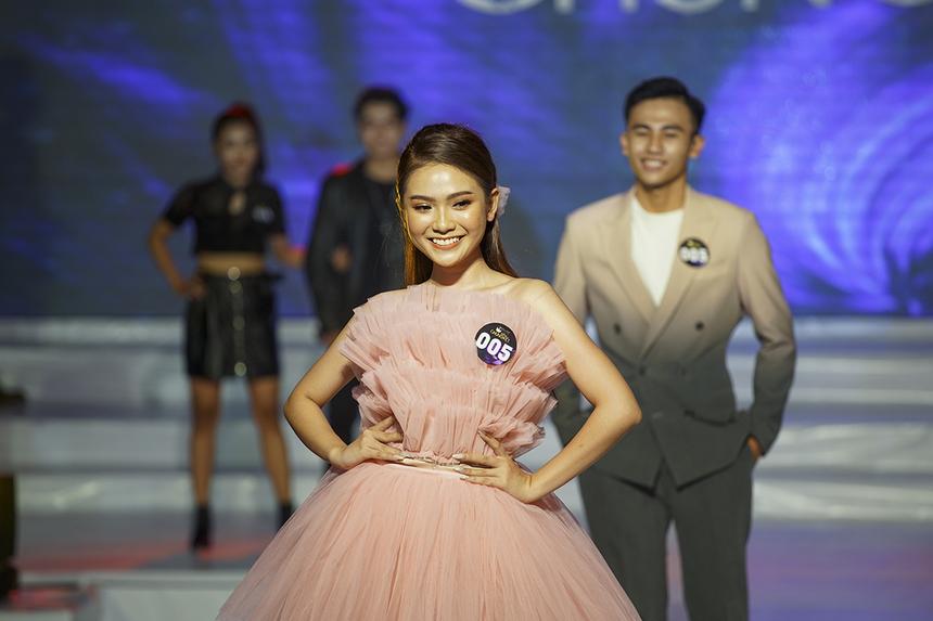 Trần Thuỳ Vy Phương Trinh - nữ sinh ngành Truyền thông đa phương tiện khóa 2018 - nhận được sự ủng hộ từ gia đình và bạn bè khi quyết định đăng ký tham gia cuộc thi Hoa khôi ĐH FPT Cần Thơ 2020.