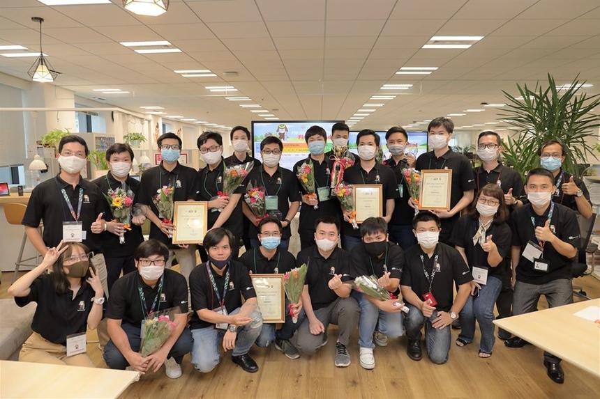 BTC cho biết trong thời gian tới sẽ tiếp tục tổ chức các sân chơi Coding cho CBNV FPT Japan tham gia so tài, nâng cao trình độ chuyên môn. Từ đó, xây dựng được đội ngũ lập trình viên tinh nhuệ tại thị trường Nhật Bản, đáp ứng nhu cầu ngày càng cao của khách hàng.