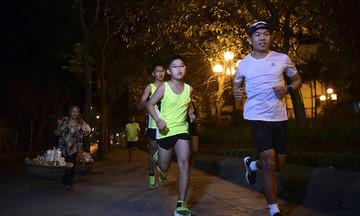 VnExpress Marathon Hanoi Midnight hỗ trợ runner đổi vé di chuyển