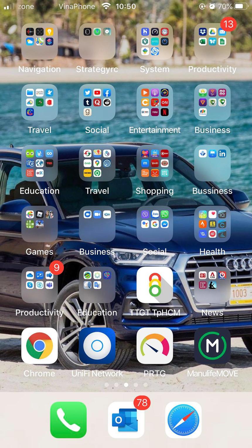 """Bức ảnh khá """"hack não"""" của anh Nguyễn Khang - FPT Services, màn hình điện thoại với con số 9 và 13 hiện trên số thông báo của 2 nhóm ứng dụng."""