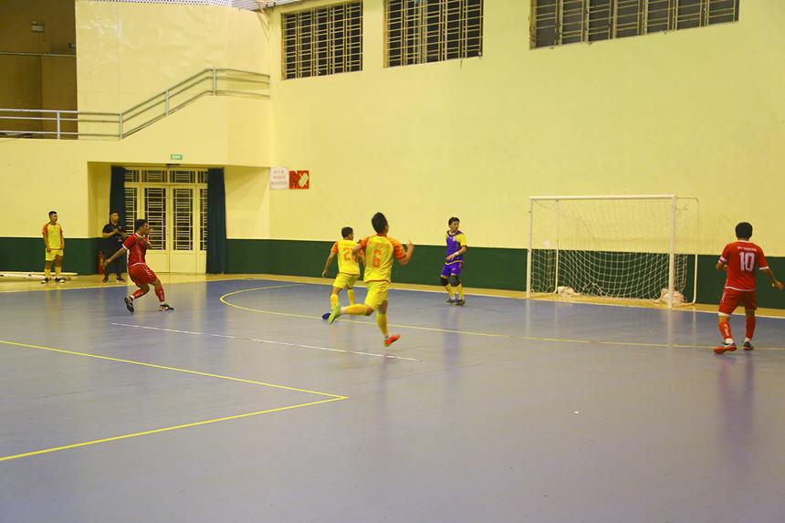 Những nỗ lực ở đầu hiệp 2 chỉ giúp FPT IS có bàn danh dự do công của Nguyễn Quang Sang. Phút 37, cầu thủ Hoàng Văn Mạnh khép lại trận bán kết 2 bằng bàn ấn định tỷ số hủy diệt 7-1 cho FPT Telecom.