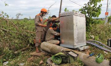 FPT Telecom Huế 'chạy đua' khôi phục hạ tầng sau bão