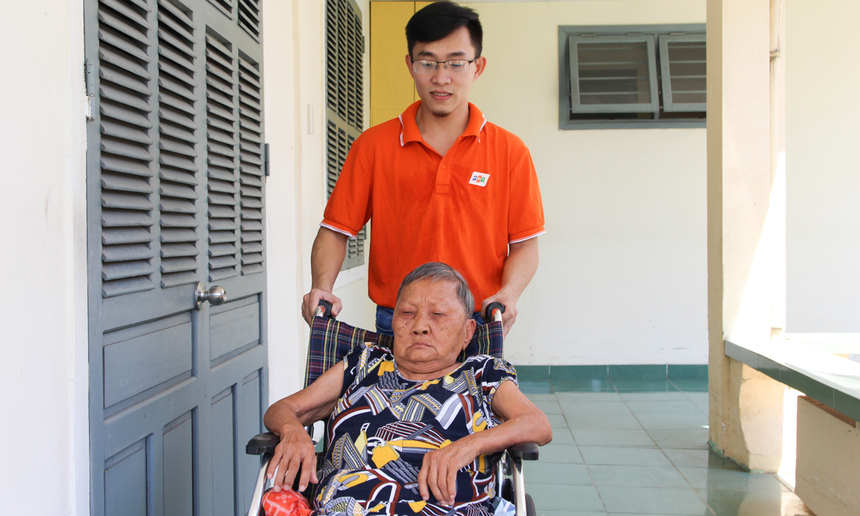 Anh Phạm Văn Đông nhận thấy, bản thân mình trưởng thành hơn qua từng chuyến từ thiện. Bằng sức trẻ của mình, anh Đông mong muốn có nhiều hơn nữa những chương trình ý nghĩa như vậy.