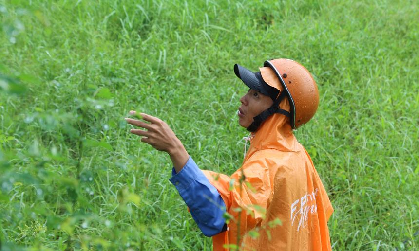 """Không chỉ Quảng Nam, FPT Telecom Vùng 4 đang gặp nhiều khó khăn do mưa lũ kéo dài. Hiện, tình trạng ngập lụt vẫn còn, đặc biệt tại chi nhánh Quảng Bình, Quảng Trị và Huế. Các đơn vị vẫn đang nỗ lực, chủ động phương án phòng chống, đặc biệt là nguy cơ """"lũ chồng lũ"""" hoàn toàn có thể xảy ra."""