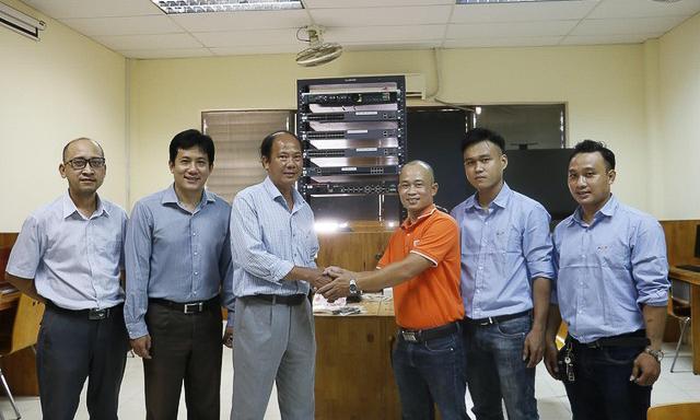 fpt-telecom-tang-phong-lab-cho-7669-8258