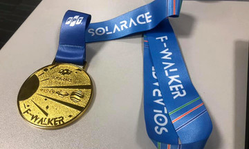Người tham gia F-Walker liên hệ FUN đơn vị để nhận huy chương