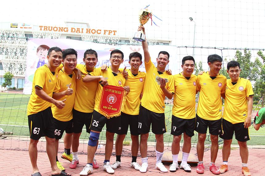 Hạ bệ đương kim vô địch FPT Telecom trong trận chung kết, Synnex FPT đã giành chức vô địch cúp FPT miền Tây với giải thưởng trị giá 3 triệu đồng.